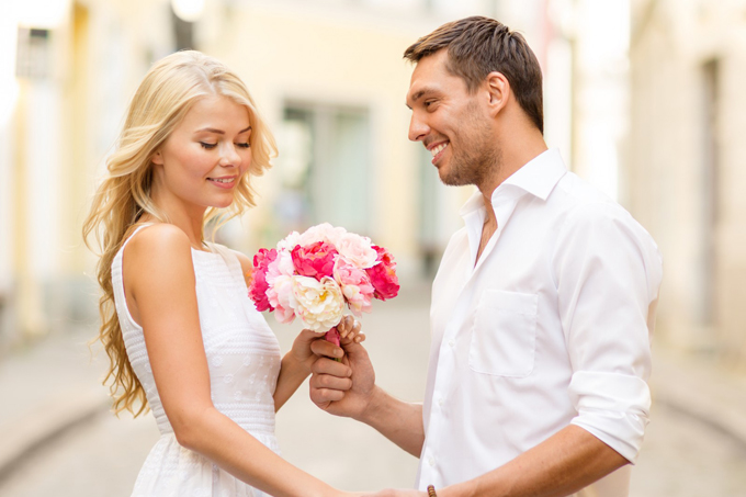 rose brides dating site In a new thread on reddit users have shared their experiences of the online wedding service with stories ranging from the bizarre to the heart warming.